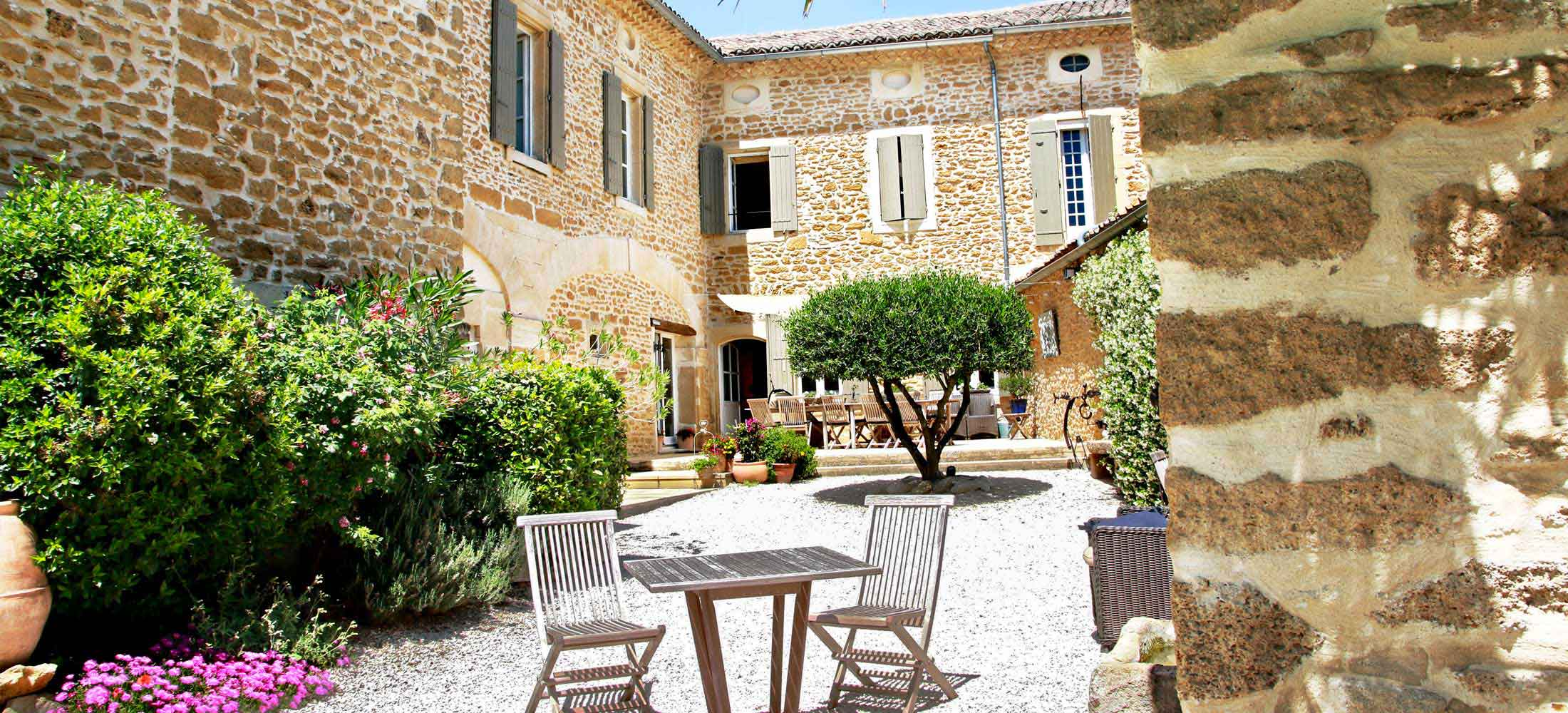 Maison d h´tes  Grignan chambres d h´tes séjour Provence piscine
